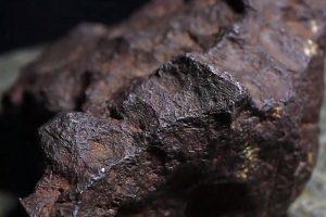 千萬別忽略這類黑石頭,收藏價值比鑽石還高