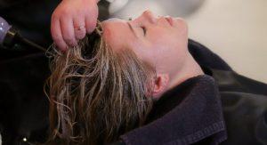 修復損傷頭髮日媒教你如何正確應用洗髮液